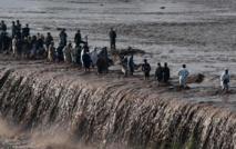 Pakistan: au moins 55 morts, des milliers de personnes bloquées après des pluies torrentielles