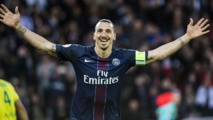 Football : Zlatan Ibrahimovic rejoint Manchester United