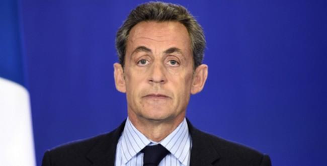 """Pour Cambadélis, Sarkozy va """"le plus loin possible à droite"""""""