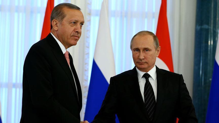 Erdogan et Poutine conviennent d'accélérer les efforts humanitaires en Syrie