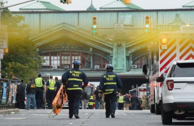 Etats-Unis : Un mort et 108 blessés dans l'accident de train du New Jersey
