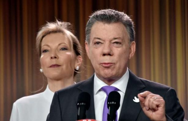 Le Nobel au président Santos pour relancer la paix en Colombie