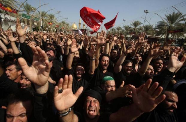 A Kerbala, tout de noir vêtus, les chiites célèbrent l'Achoura