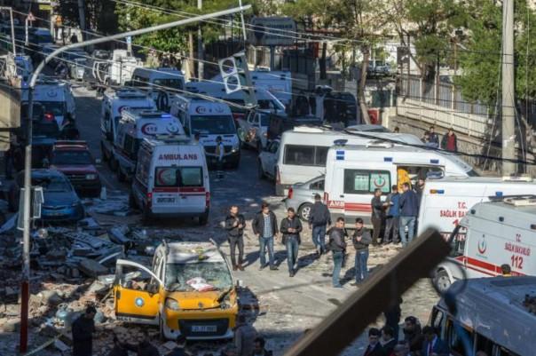 Turquie: les chefs du principal parti prokurde en détention