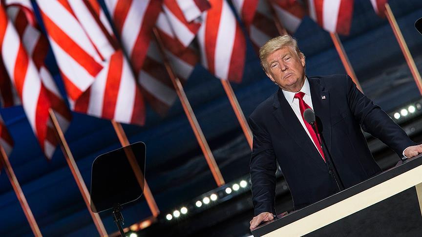 Trump signe des décrets sur des oléoducs controversés