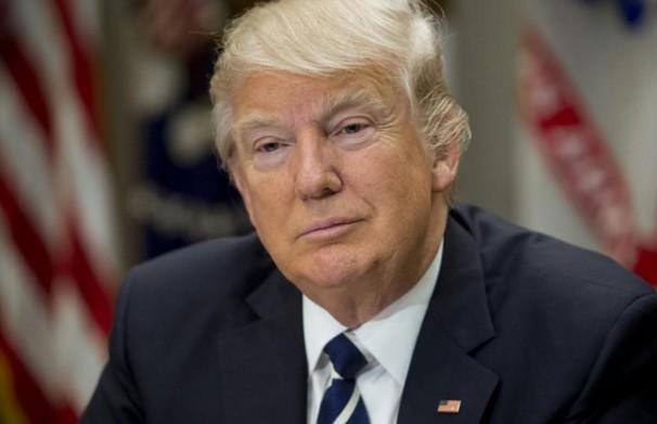 """""""Une absurdité"""": Donald Trump nie toute connexion avec la Russie"""