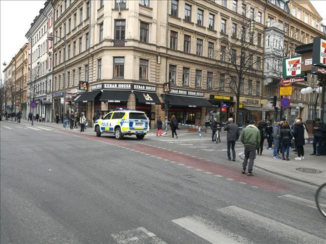 """Camion-bélier à Stockholm : Le PM suédois dénonce une """"attaque terroriste"""""""