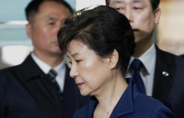 Corée du Sud: l'ex-présidente et le président de Lotte inculpés