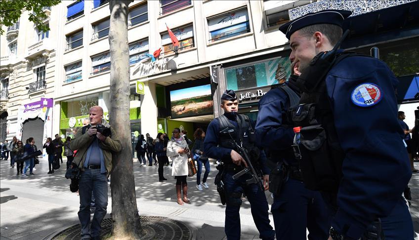 France/ Attentat Champs-Élysées : Un hommage national rendu au policier tué