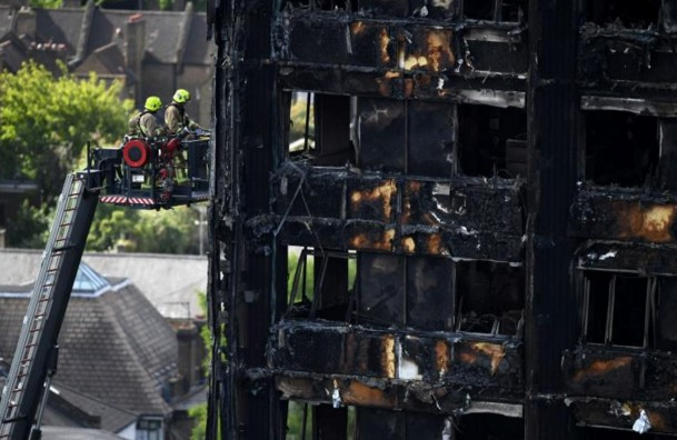 Incendie d'une tour à Londres: toujours des dizaines de disparus