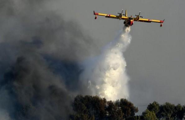 Massif du Luberon: 400 hectares de forêt parcourus par un incendie