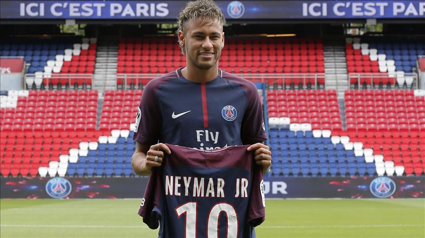Foot/Transfert : Neymar au PSG ou l'incarnation du football globalisé