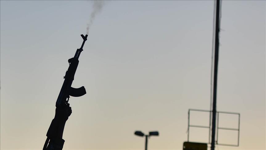 """Marché de l'armement en Afrique : La France """"se frotte les mains"""""""