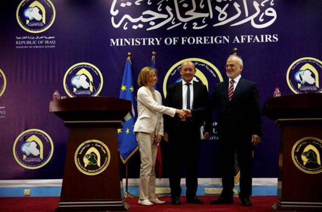 Le Drian et Parly renouvellent à Badgad le soutien français à l'Irak