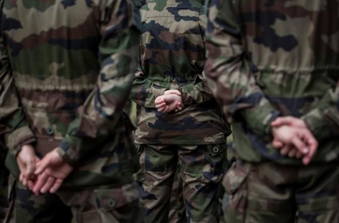 """Un soldat de """"Sentinelle"""" attaqué dans le métro parisien"""