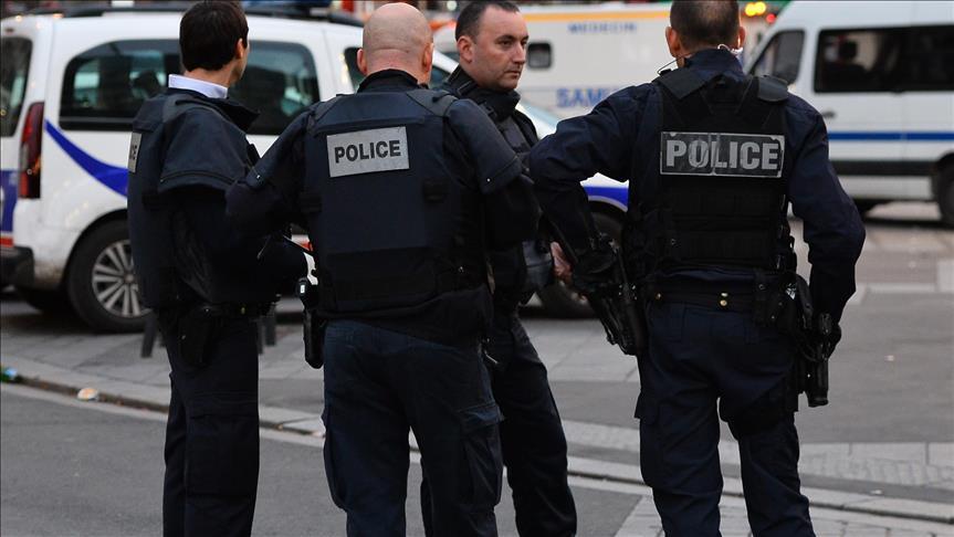 """France: Une trentaine de policiers """"radicalisés"""" placés sous surveillance"""