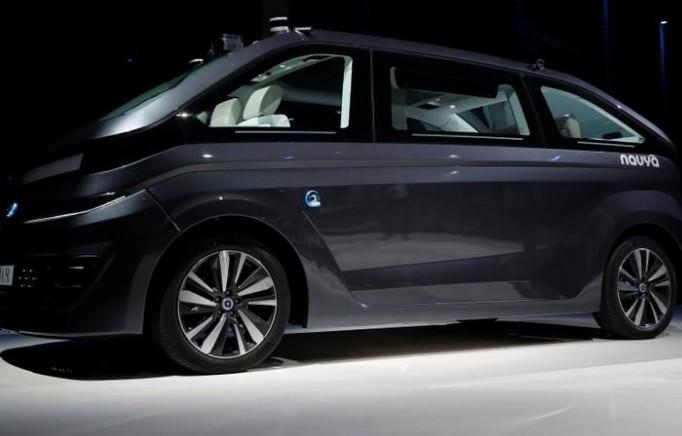 """Navya présente son robot-taxi """"Autonom Cab"""""""