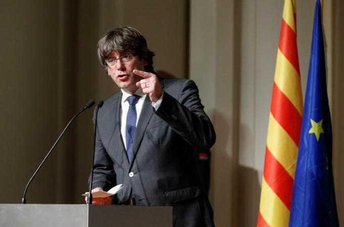 """Puigdemont évoque """"une autre solution que l'indépendance"""" catalane"""