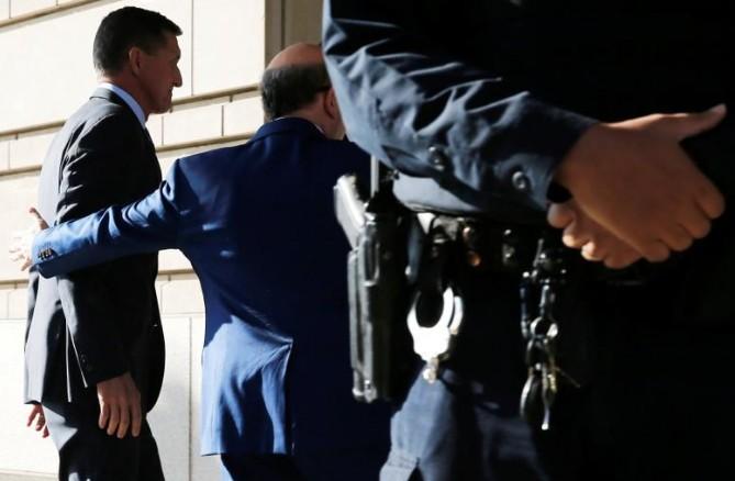Flynn plaide coupable, ABC News le dit prêt à témoigner contre Trump