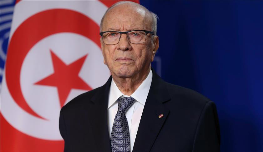 Le président tunisien confirme le maintien de la suspension des vols d'Emirates