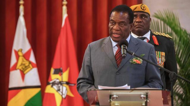 Le président du Zimbabwe annonce des élections dans les quatre à cinq prochains mois