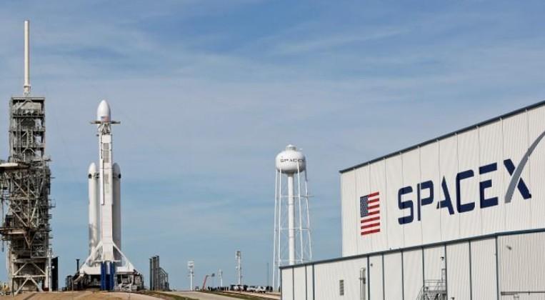 SpaceX lance Falcon Heavy, la fusée la plus puissante du monde