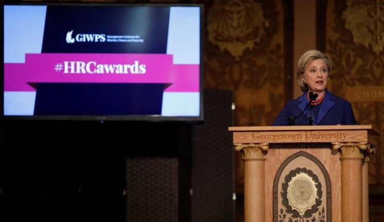 Le mouvement en faveur des droits des femmes n'a jamais été aussi fort, selon Clinton