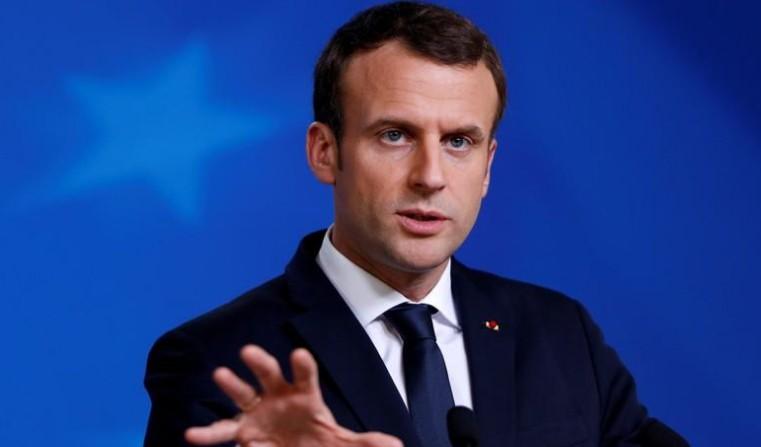 """Acier: Macron dénonce le """"nationalisme économique"""" de Trump"""