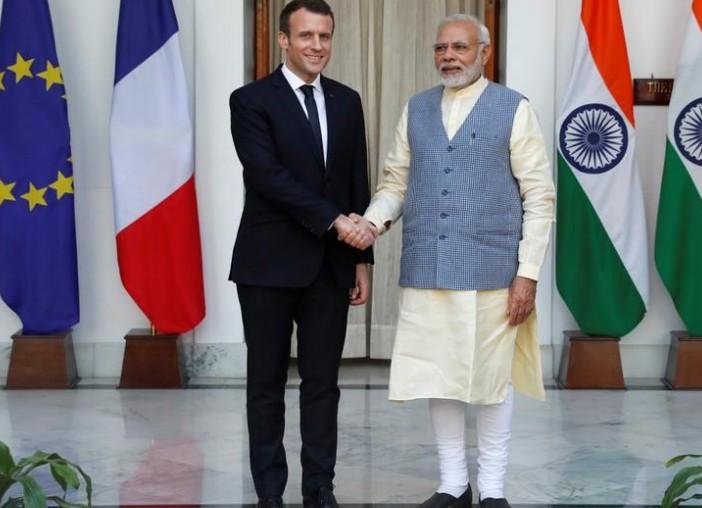 """Macron ouvre une """"nouvelle ère"""" du partenariat avec l'Inde"""