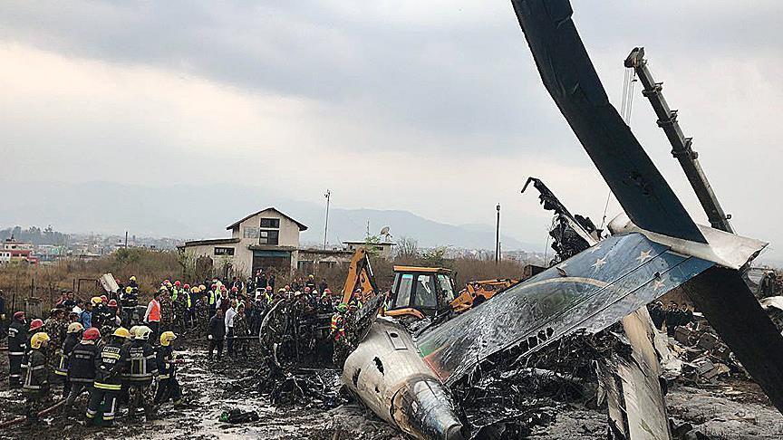 Crash d'un avion de ligne bangladais au Népal: 38 morts et 23 blessés