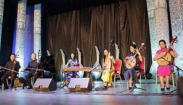 """20è Festival international de luth de Tétouan: """"Chengdu City Symphony Orchestra"""" initie le public marocain aux sonorités chinoises"""