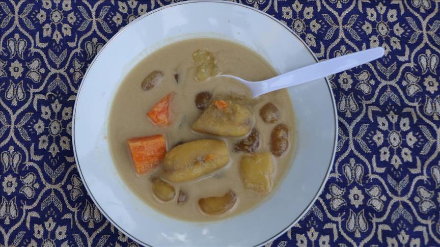 Ramadan en Indonésie: Soupe à la banane, le must à la rupture du jeûne