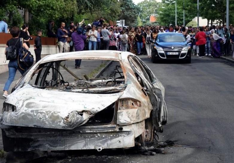 Troisième nuit de violences urbaines à Nantes
