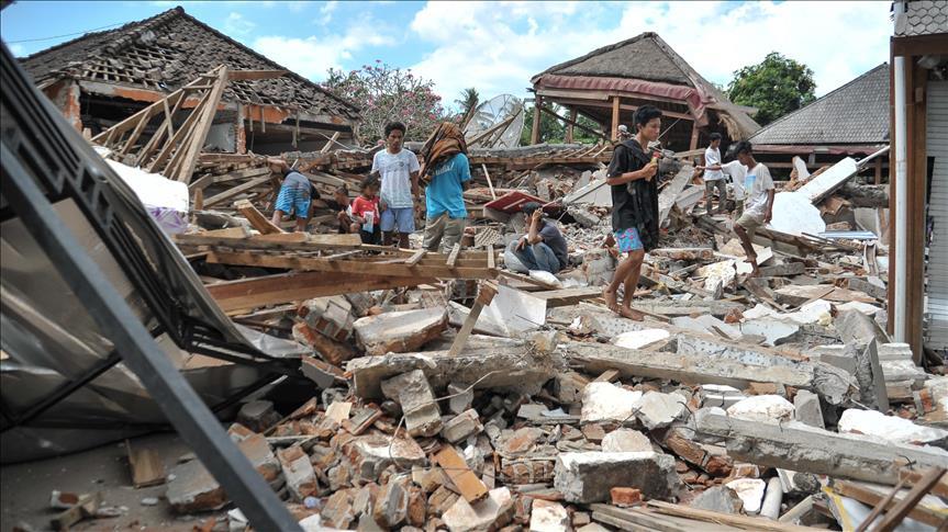 Indonésie : Le bilan du séisme s'alourdit à 436 morts