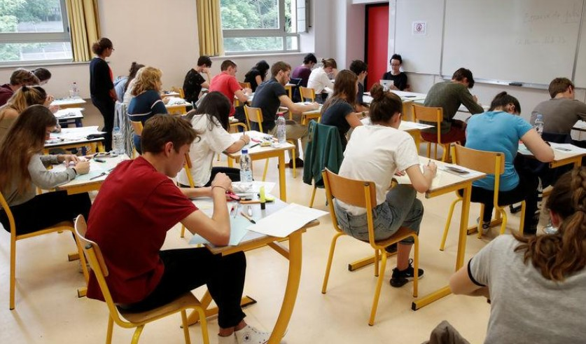 """Education: Blanquer entend """"amplifier le sillon"""" des réformes"""