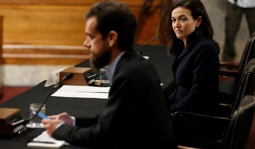 Ingérences électorales: Facebook et Twitter se défendent devant le Congrès