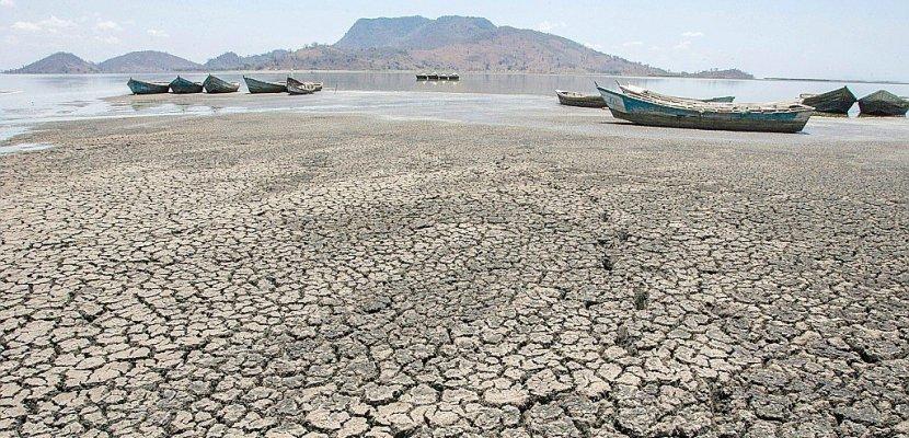 Au Malawi, le lac Chilwa s'assèche, la population déserte