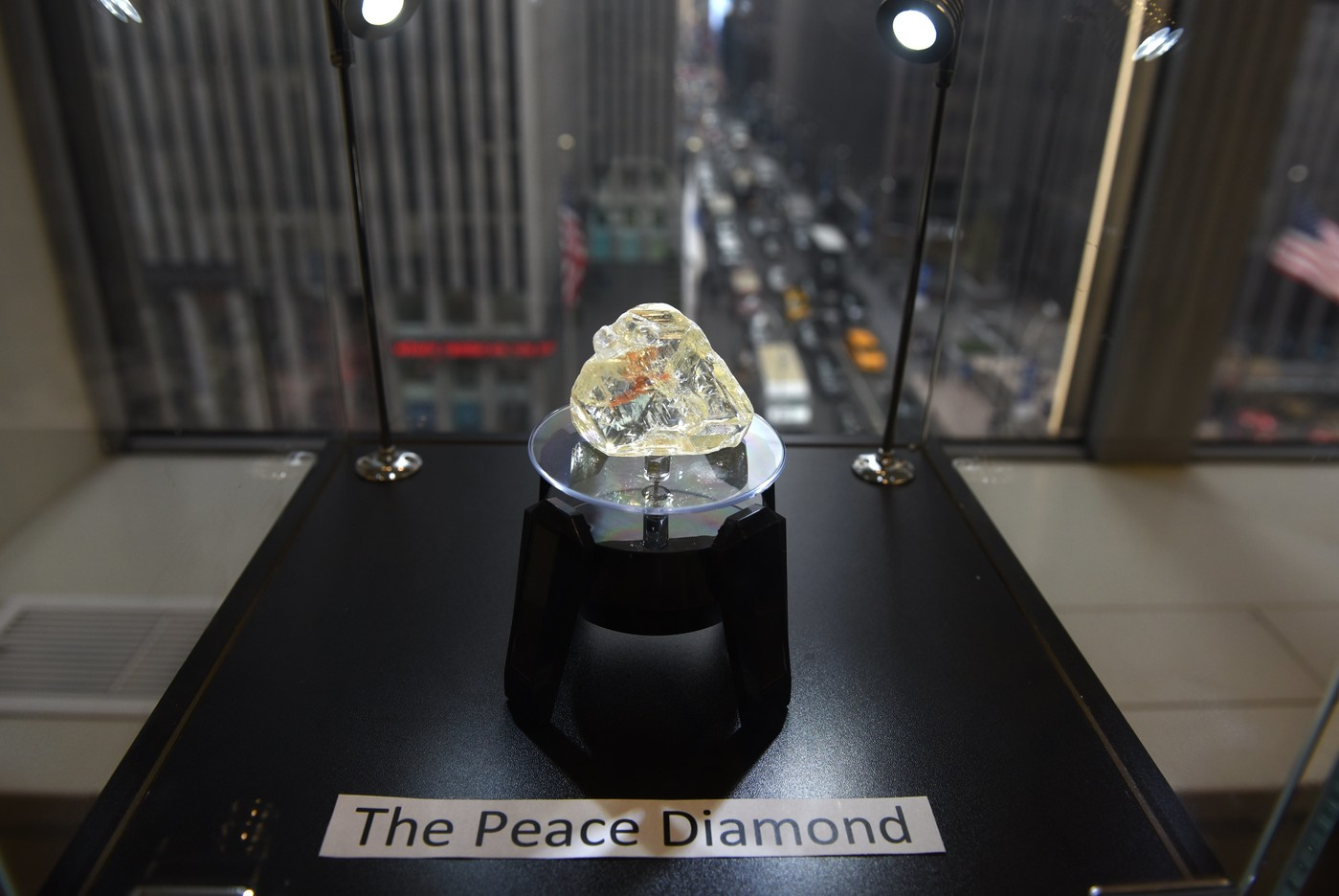 """En Sierra Leone, le """"diamant de la paix"""" tarde à tenir ses promesses"""
