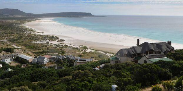 Des gardes accusés d'avoir chassé des Noirs d'une plage du Cap