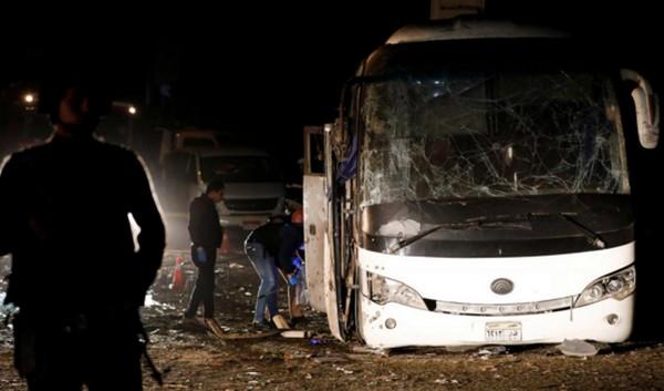 Quatre morts dans une explosion près des pyramides du Caire