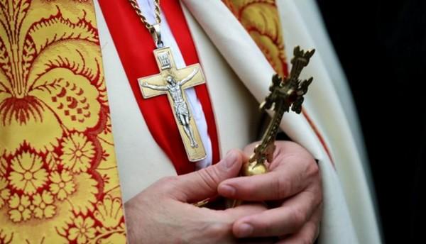 Quatre religieux en garde à vue à Lille pour violences