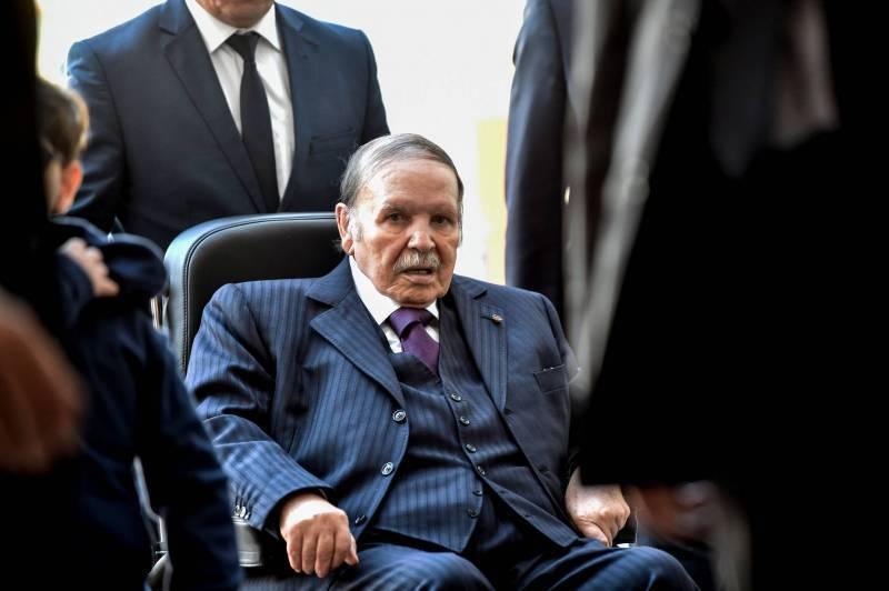 Le président Abdelaziz Bouteflika de retour en Algérie