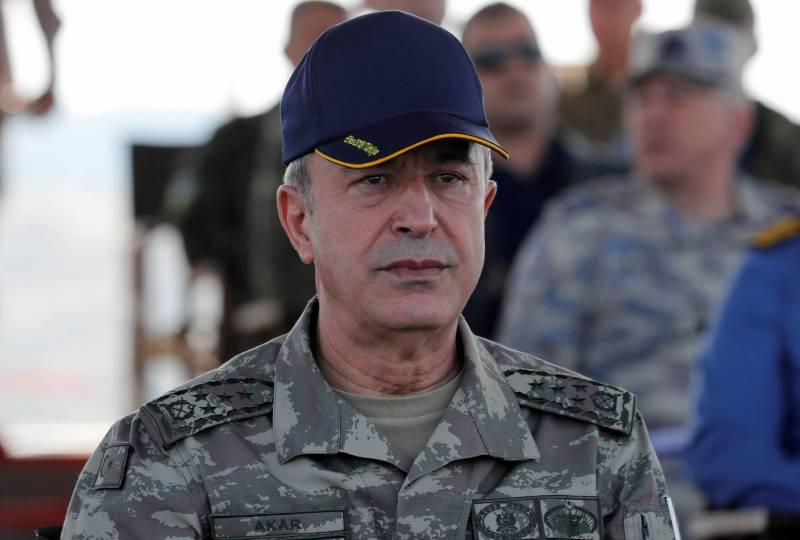 Visite très discrète du ministre turc de la Défense au Pentagone