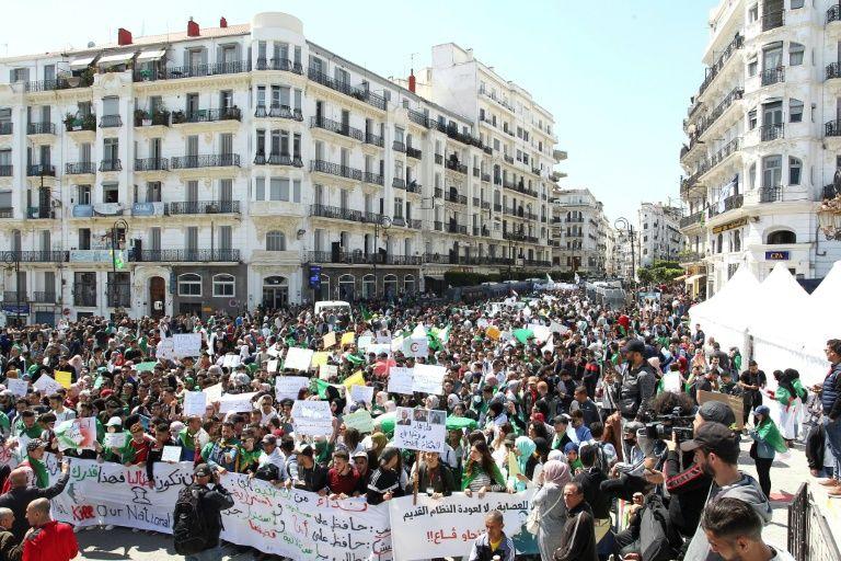 Algérie: les dates-clés d'une contestation populaire massive (CHRONOLOGIE)