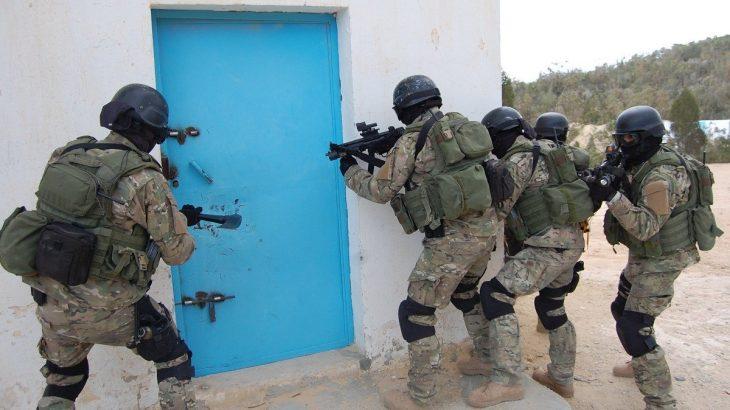 """Tunisie : trois terroristes classés """"très dangereux"""" abattus à Sidi Bouzid"""