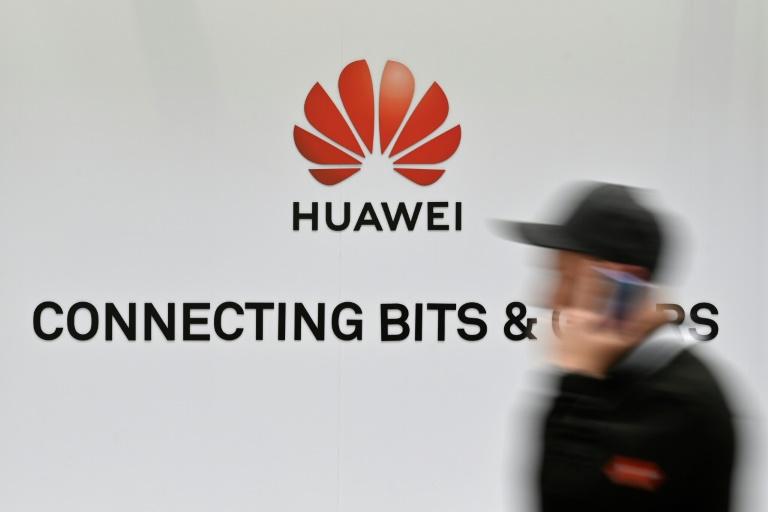 """Faute de puces, le """"rêve chinois"""" vire au cauchemar technologique"""
