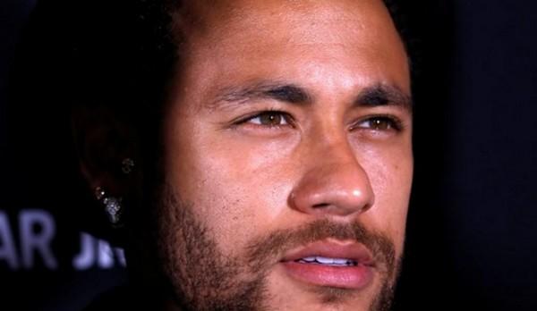Neymar, visé par une plainte pour viol, rejette les accusations