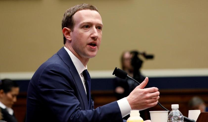 Données: Zuckerberg peut-être informé de pratiques douteuses de Facebook