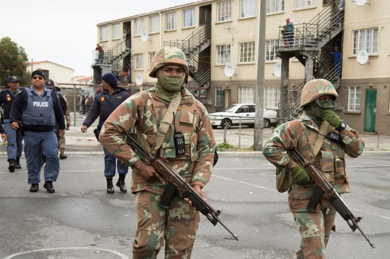 Afrique du Sud: pour lutter contre les gangs, l'armée se déploie au Cap