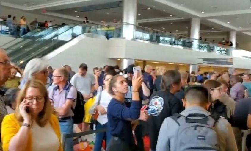 USA: L'entrée de milliers de voyageurs retardée par une panne informatique